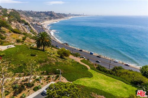 Photo of 17350 West SUNSET #702, Pacific Palisades, CA 90272 (MLS # 20561388)