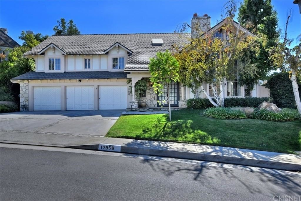 Photo of 17956 LAKE VISTA Drive, Encino, CA 91316 (MLS # SR19258391)