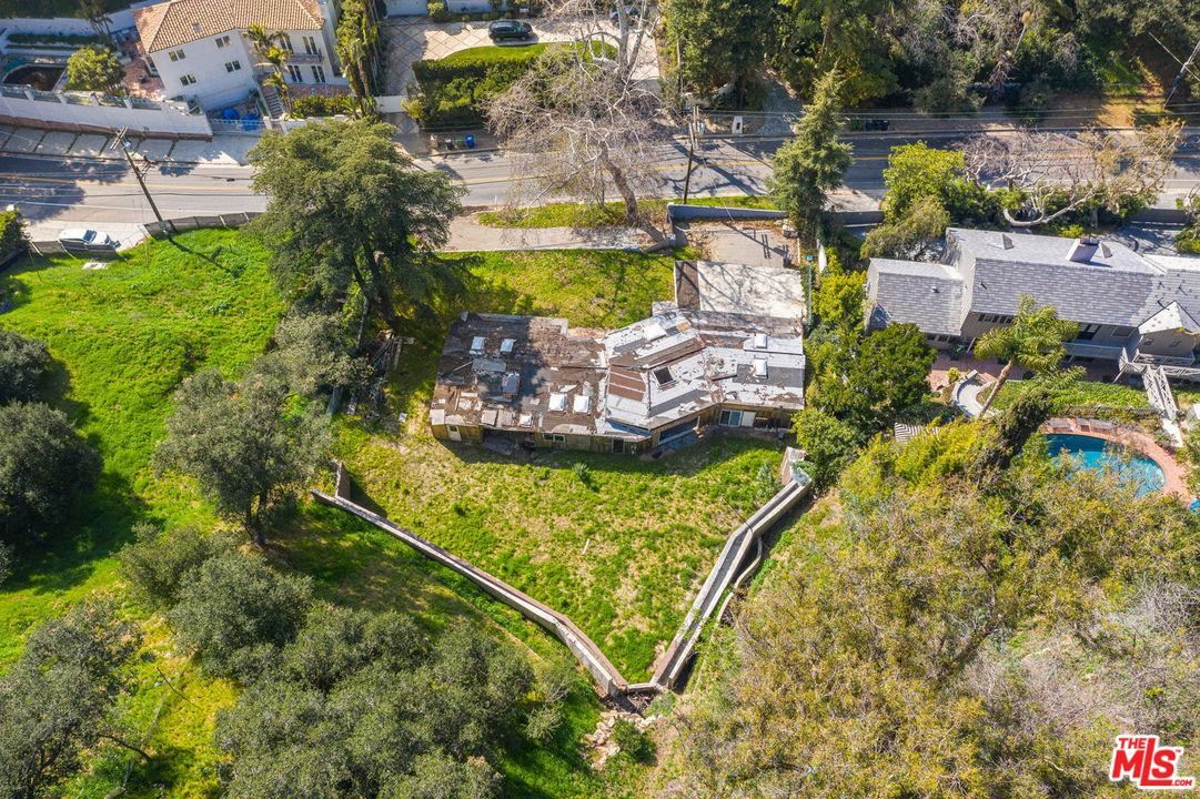 Photo of 2534 BENEDICT CANYON Drive, Beverly Hills, CA 90210 (MLS # 20562394)