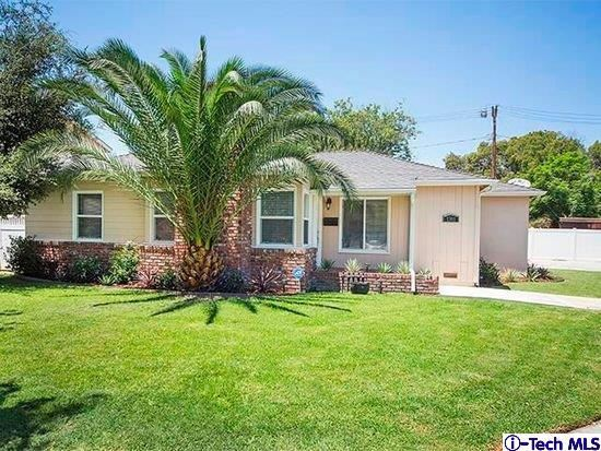 Photo of 1301 West RIVERSIDE Drive, Burbank, CA 91506 (MLS # 320000394)