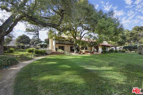 Photo of 980 CRATER OAK Drive, Calabasas, CA 91302 (MLS # 20548398)