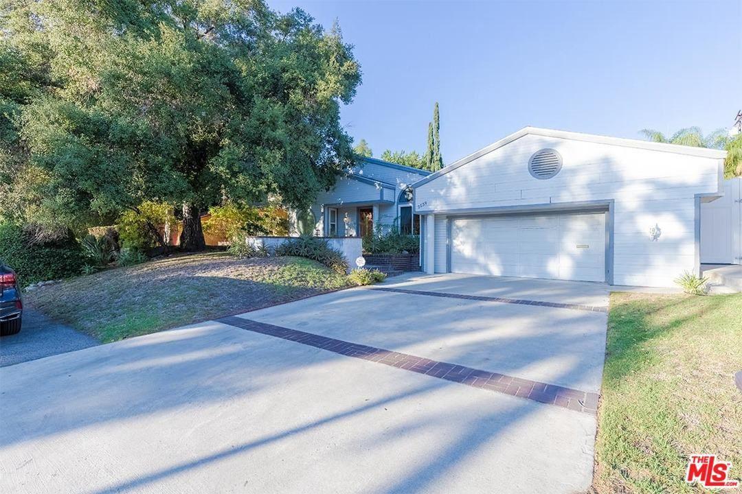 Photo of 2839 SYCAMORE Avenue, Glendale, CA 91214 (MLS # 20555400)