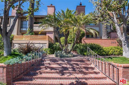 Photo of 323 SAN VICENTE Boulevard #19, Santa Monica, CA 90402 (MLS # 20560408)