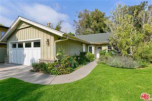 Photo of 680 North LAS CASAS Avenue, Pacific Palisades, CA 90272 (MLS # 19480412)