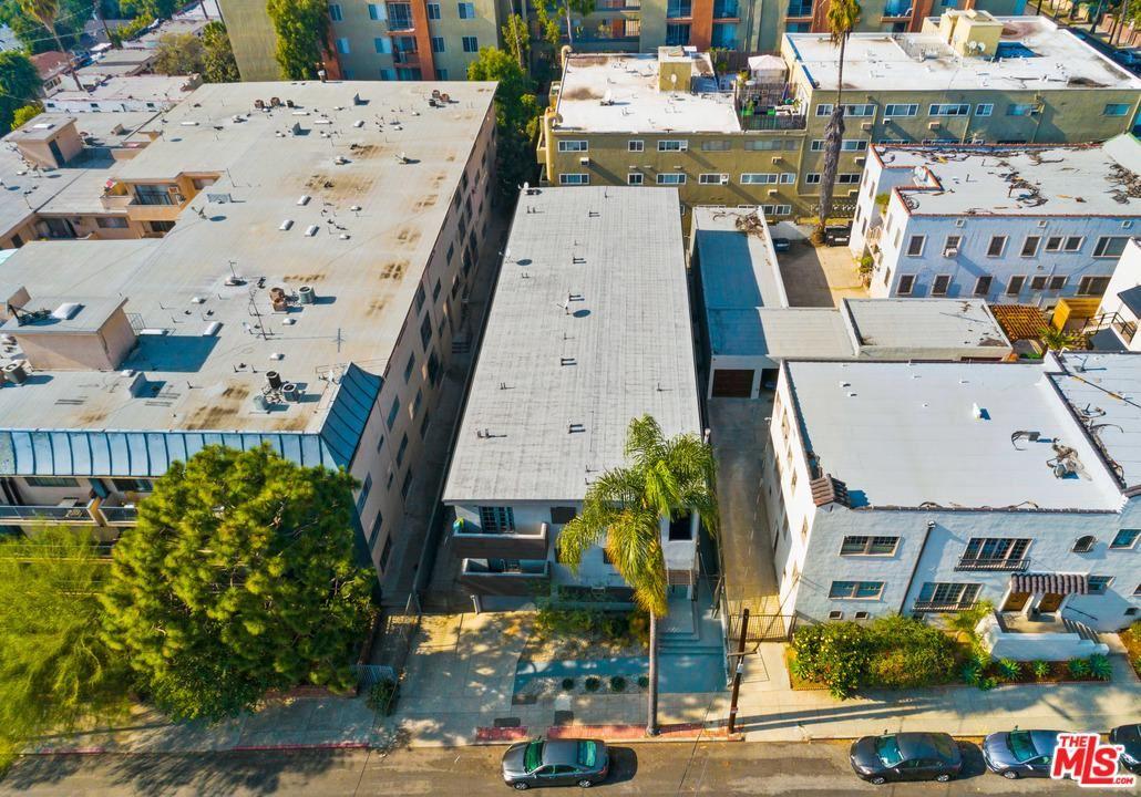 Photo of 1643 North MARTEL Avenue, Los Angeles , CA 90046 (MLS # 20548414)