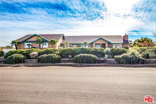 Photo of 57813 JUAREZ Drive, Yucca Valley, CA 92284 (MLS # 19535416)