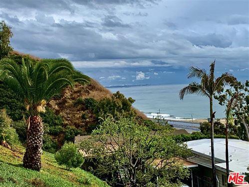 Photo of 24 SAMOA Way, Pacific Palisades, CA 90272 (MLS # 19535418)