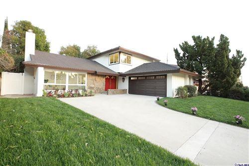 Photo of 11116 VANALDEN Avenue, Northridge, CA 91326 (MLS # 320000418)