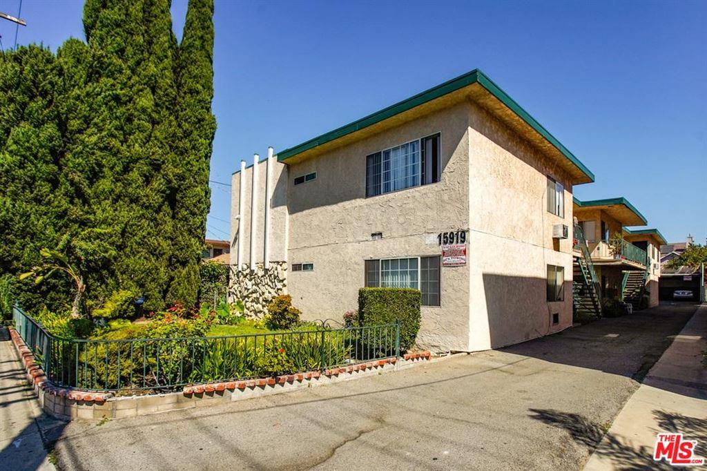 Photo for 15919 VANOWEN Street, Los Angeles , CA 91406 (MLS # 19499418)
