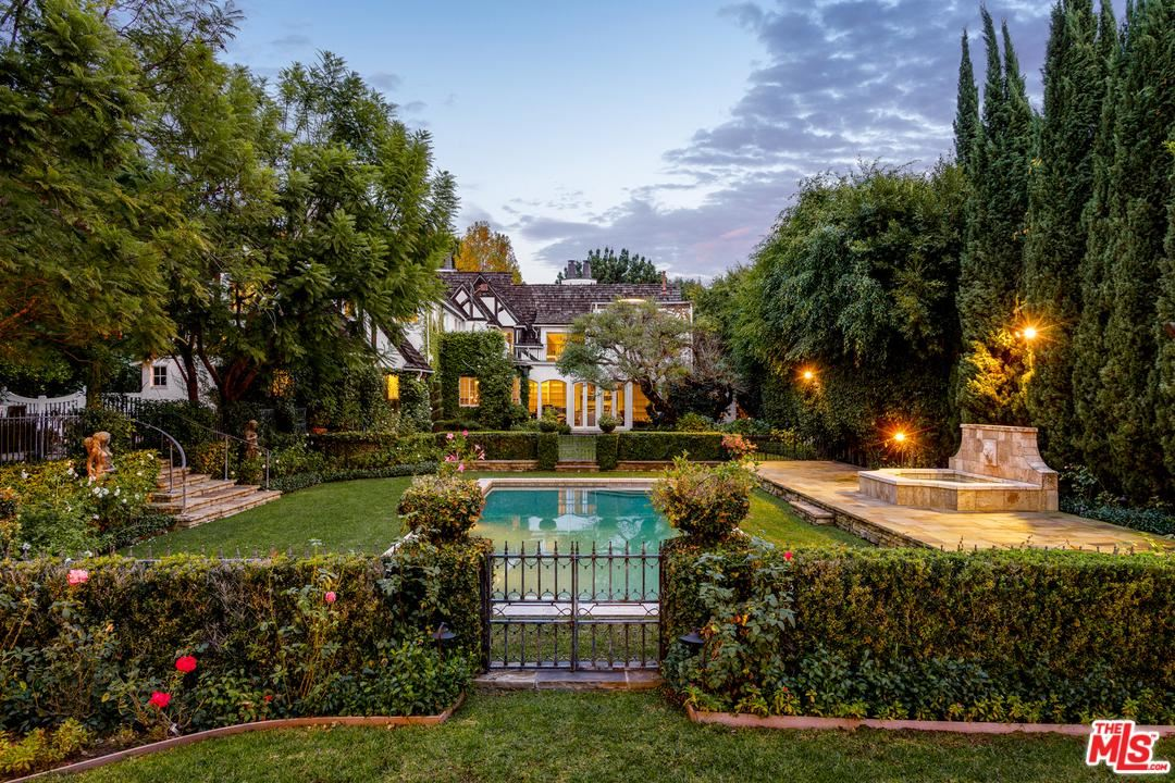 Photo of 707 North ARDEN Drive, Beverly Hills, CA 90210 (MLS # 20551422)
