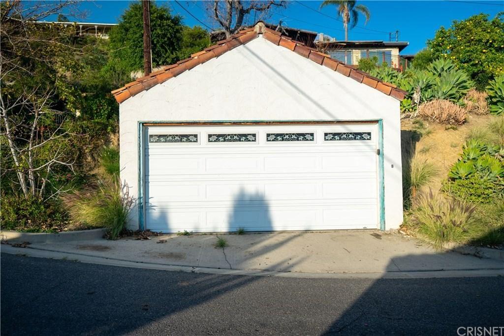 Photo of 1015 VIA CARMELITA, Burbank, CA 91501 (MLS # SR20025422)