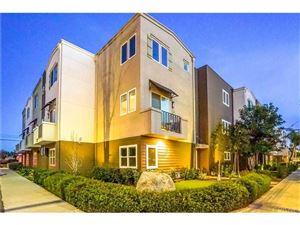 Photo of 5664 HAZELTINE Avenue, Valley Glen, CA 91401 (MLS # SR18064424)