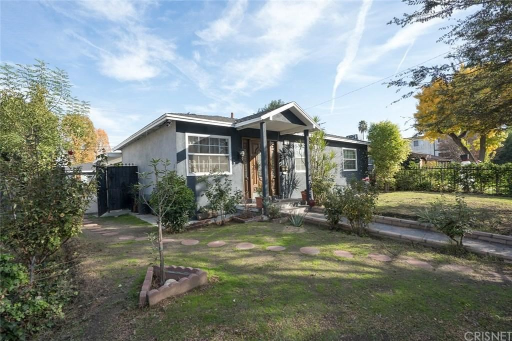 Photo of 6632 COLDWATER CANYON Avenue, North Hollywood, CA 91606 (MLS # SR20004424)