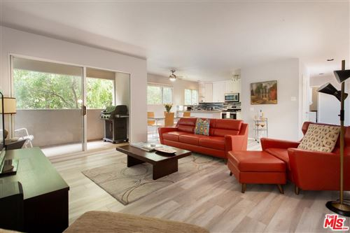 Photo of 446 SAN VICENTE #103, Santa Monica, CA 90402 (MLS # 20546426)