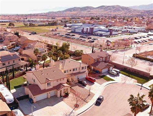Photo of 39226 CHANTILLY Lane, Palmdale, CA 93551 (MLS # SR19272428)