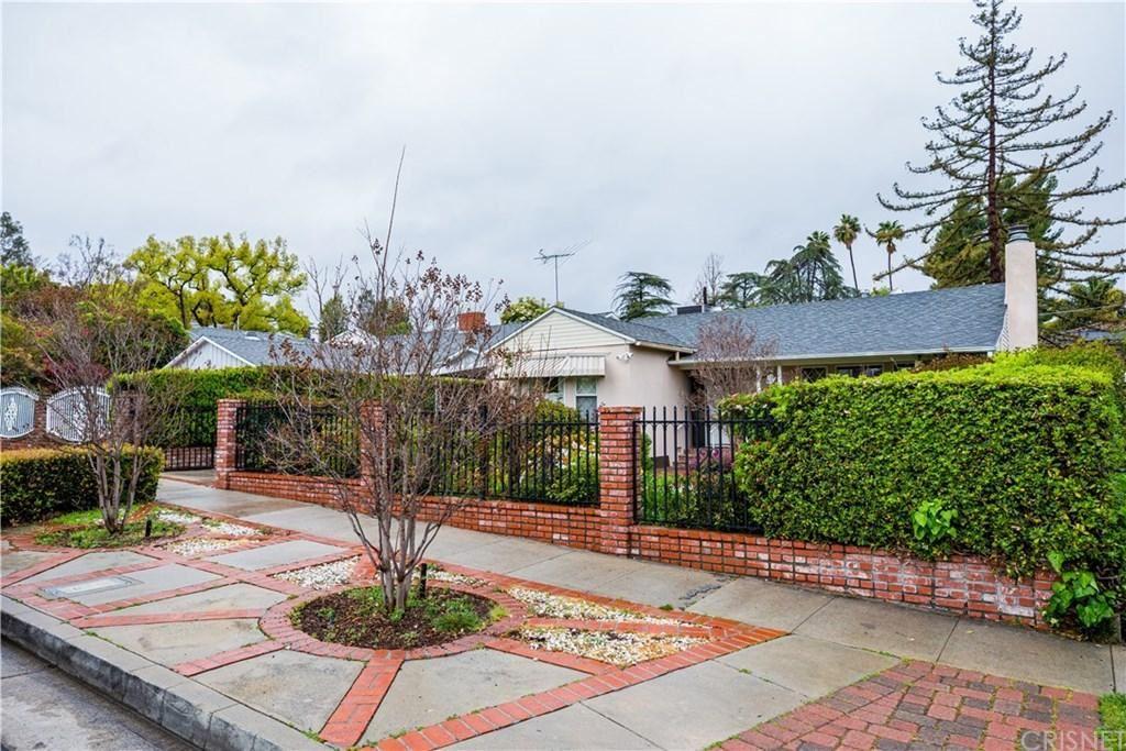 Photo of 4215 MAMMOTH Avenue, Sherman Oaks, CA 91423 (MLS # SR20054428)
