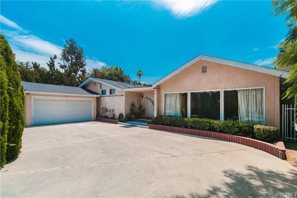 Photo for 23110 OXNARD Street, Woodland Hills, CA 91367 (MLS # SR19237429)
