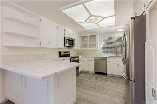Photo of 12282 BEAUFAIT Avenue, PORTER RANCH, CA 91326 (MLS # SR20031432)