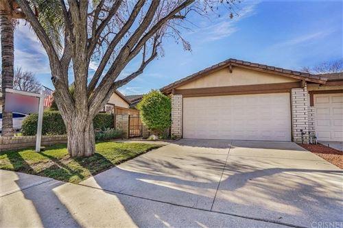Photo of 25627 PALMA ALTA Drive, Valencia, CA 91355 (MLS # SR20011437)