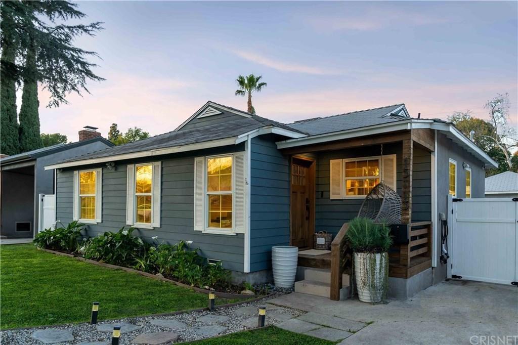 Photo of 15113 LA MAIDA Street, Sherman Oaks, CA 91403 (MLS # SR20031447)