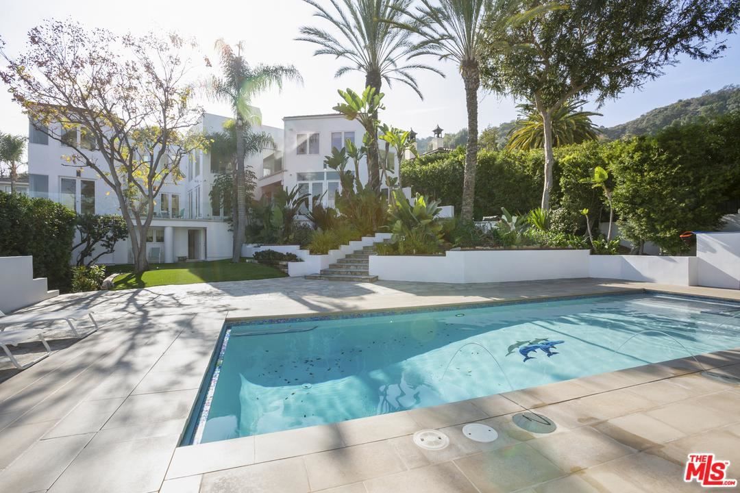 Photo of 7759 TORREYSON Drive, Hollywood Hills, CA 90046 (MLS # 20546452)