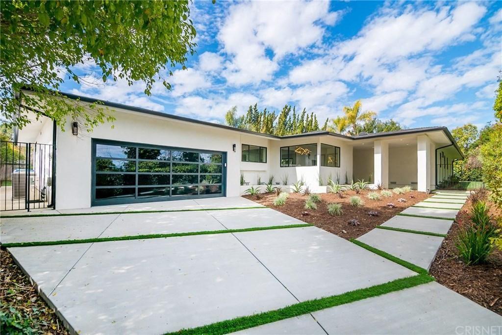 Photo of 3221 ELVIDO Drive, Brentwood , CA 90049 (MLS # SR20038452)