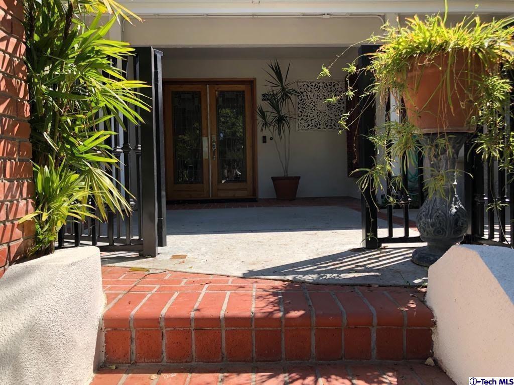 Photo for 6002 MANTON Avenue, Woodland Hills, CA 91367 (MLS # 319004456)