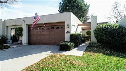 Photo of 636 RACQUET CLUB Lane, Thousand Oaks, CA 91360 (MLS # SR20008459)