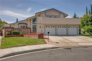 Photo of 2711 North GRANVIA Place, Thousand Oaks, CA 91360 (MLS # 219004460)
