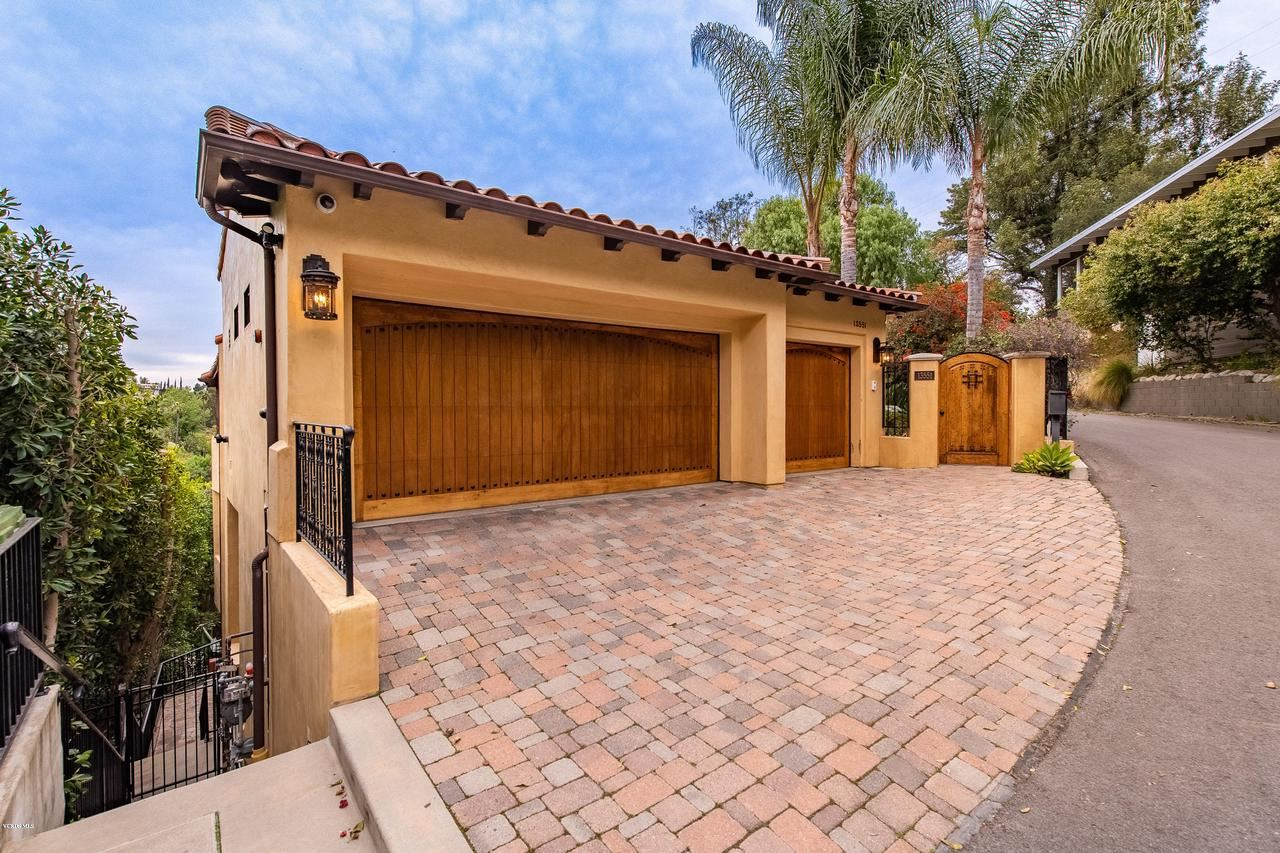 Photo of 13551 CHELTENHAM Drive, Sherman Oaks, CA 91423 (MLS # 220002465)