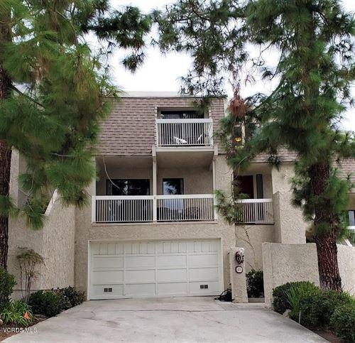 Photo of 573 TREE TOP Lane, Thousand Oaks, CA 91360 (MLS # 219014467)