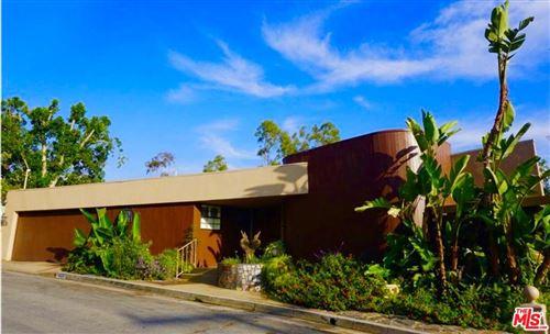 Photo of 320 KEMPTON Road, Glendale, CA 91202 (MLS # 19524468)
