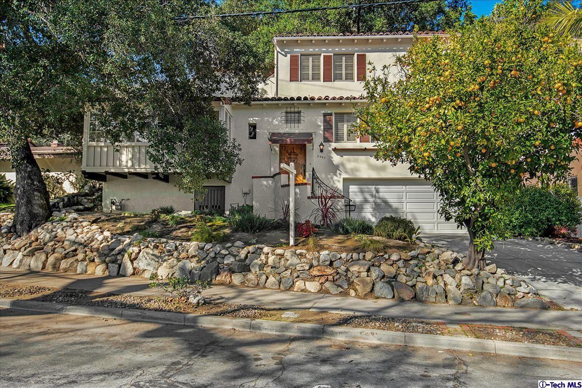 Photo of 2967 HERMOSITA Drive, Glendale, CA 91208 (MLS # 320000470)