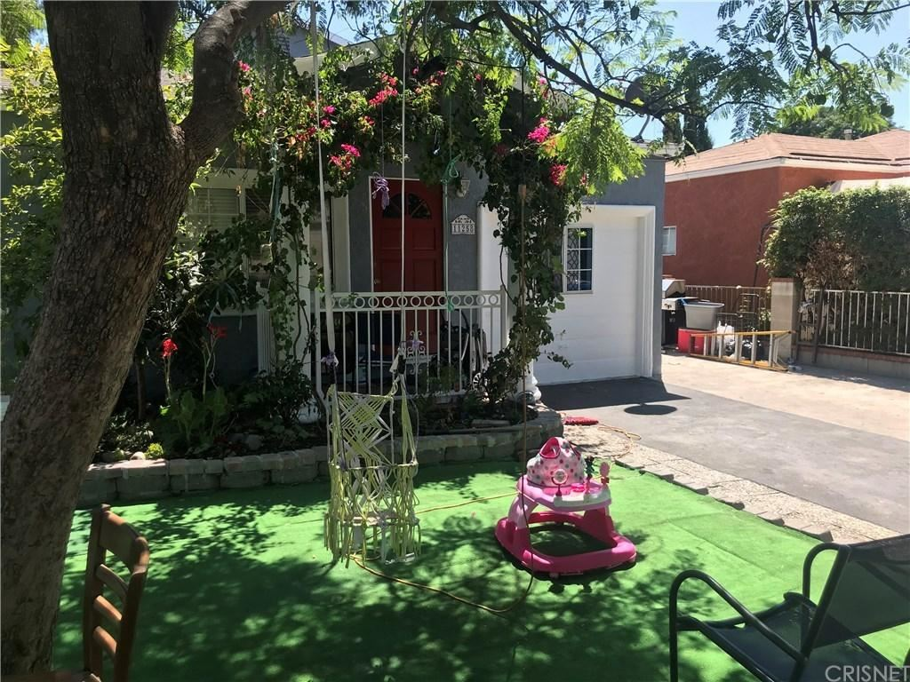 Photo of 11258 HATTERAS Street, North Hollywood, CA 91601 (MLS # SR19247470)