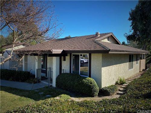 Photo of 26360 OAKSPUR Drive #C, Newhall, CA 91321 (MLS # SR20008475)