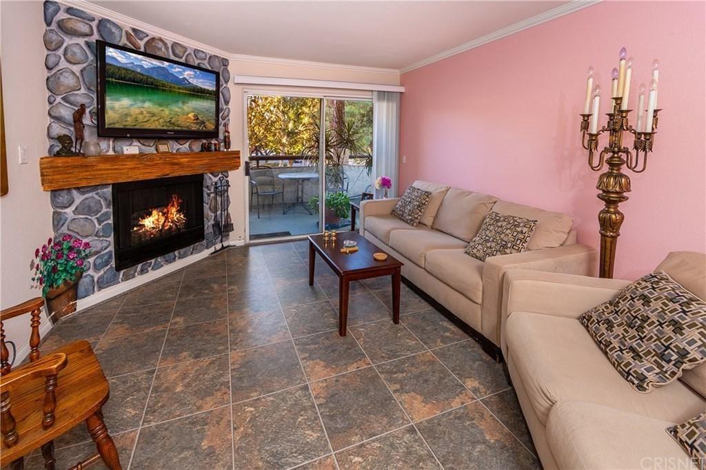 Photo for 5515 CANOGA Avenue #105, Woodland Hills, CA 91367 (MLS # SR19257475)