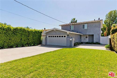 Photo of 13724 ERWIN Street, Van Nuys, CA 91401 (MLS # 19519476)