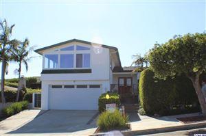 Photo of 3729 CASTLEROCK Road, Malibu, CA 90265 (MLS # 319003477)