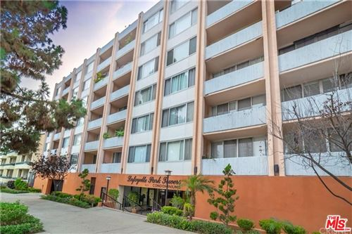 Photo of 421 South LA FAYETTE PARK Place #403, Los Angeles , CA 90057 (MLS # 20567480)