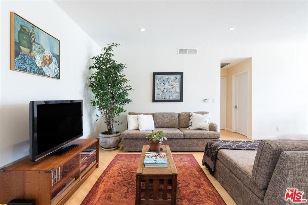 Photo for 2045 BELOIT Avenue #203, Los Angeles , CA 90025 (MLS # 18344486)