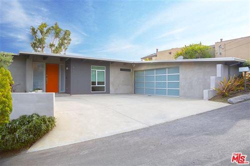 Photo of 1415 North KENTER Avenue, Los Angeles , CA 90049 (MLS # 20544492)