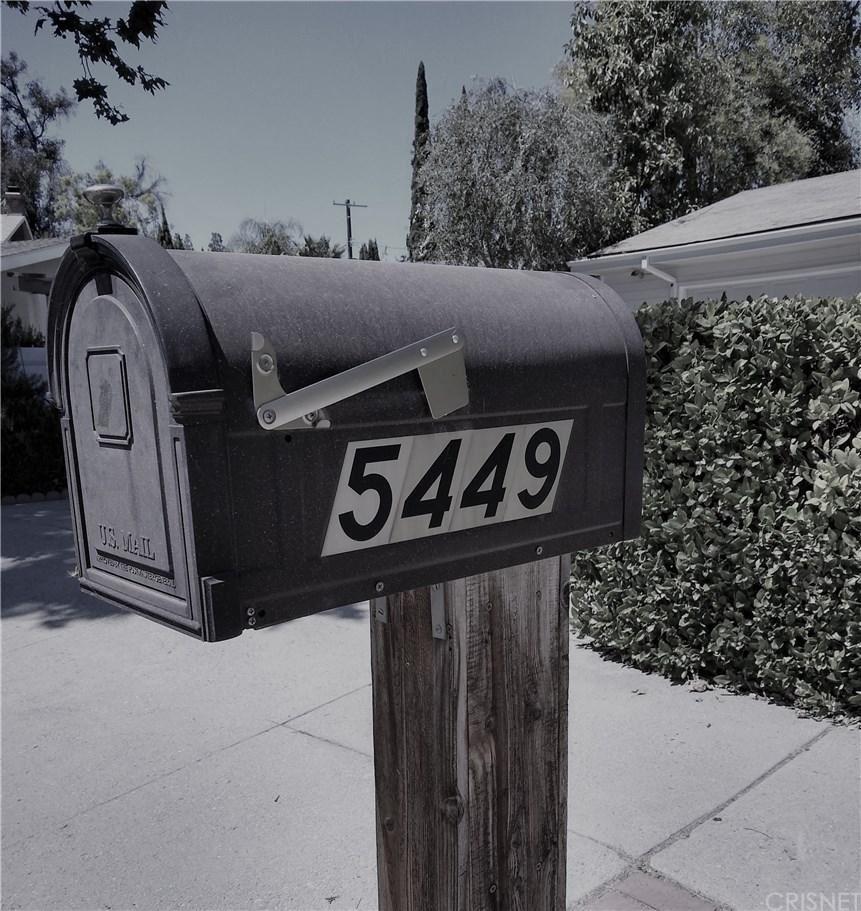 Photo of 5449 ELLENVALE Avenue, Woodland Hills, CA 91367 (MLS # SR20035492)