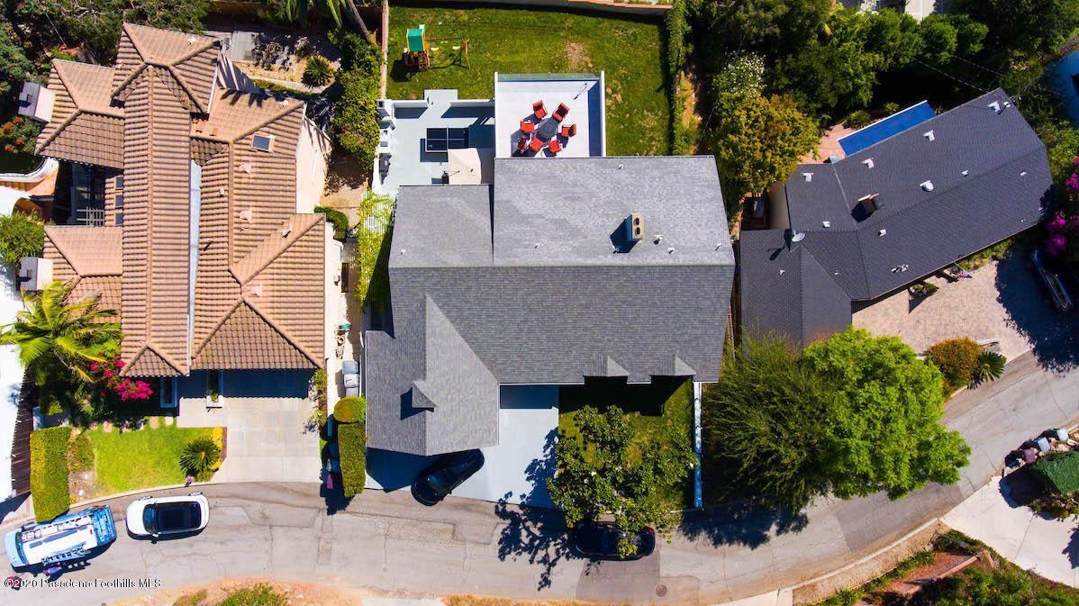 Photo of 918 HILLCROFT Road, Glendale, CA 91207 (MLS # 820000495)