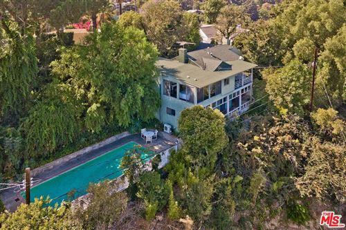 Photo of 13185 CHELTENHAM Drive, Sherman Oaks, CA 91423 (MLS # 19522496)