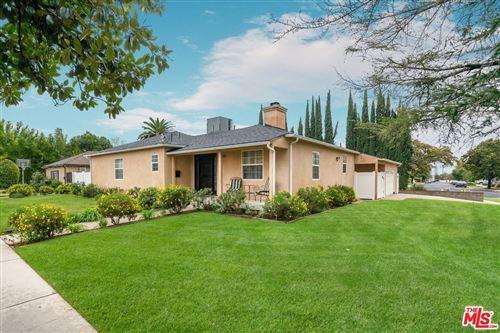 Photo of 18650 SUNBURST Street, Northridge, CA 91324 (MLS # 19534498)