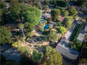 Photo of 23043 CANZONET Street, Woodland Hills, CA 91367 (MLS # SR18251499)