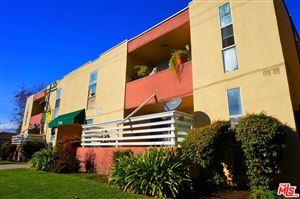 Photo of 17463 VANOWEN Street, Van Nuys, CA 91406 (MLS # 18322502)