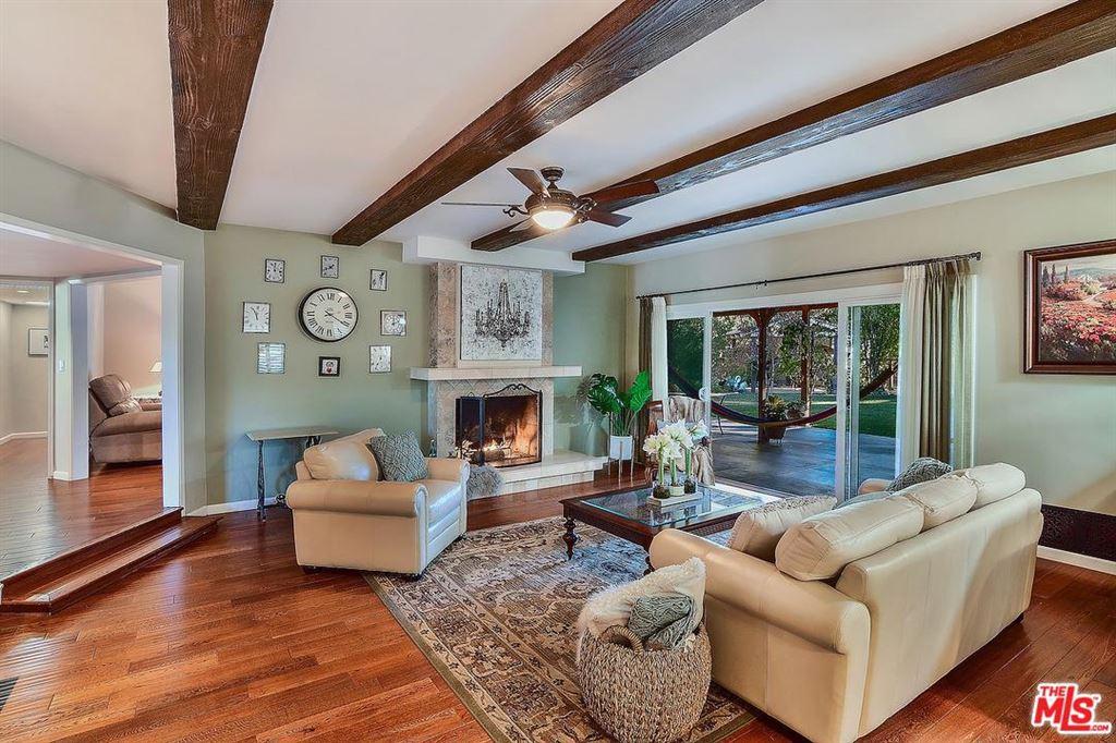 Photo for 23154 DOLOROSA Street, Woodland Hills, CA 91367 (MLS # 19490504)