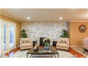 Photo of 23932 OXNARD Street, Woodland Hills, CA 91367 (MLS # SR18012505)
