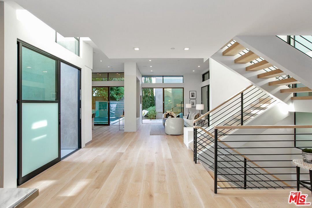 Photo of 9021 RANGELY Avenue, West Hollywood, CA 90048 (MLS # 20546508)